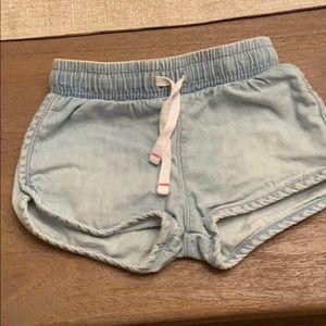 lite chambray shorts. so cute